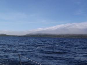 Colonsay mit Nebel auf der Luvseite