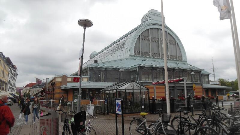 Stora Saluhallen / Große Markthalle
