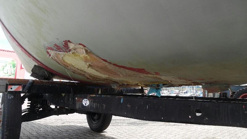 Schadendurch Strandung im Seegat. Das war ein Kielboot! Vorher.